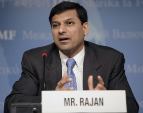 IMF Economic Counselor and Research Department Director Raghuram Rajan briefs the press on the World Economic Outlook on April 13, 2005 at the International Monetary Fund Headquarters (IMF), Washington, D.C. The IMF World Economic Outlook presents analysis and projections of economic developments at the global level, in major country groups and in many individual countries.  IMF Staff Photographer/ Stephen Jaffe