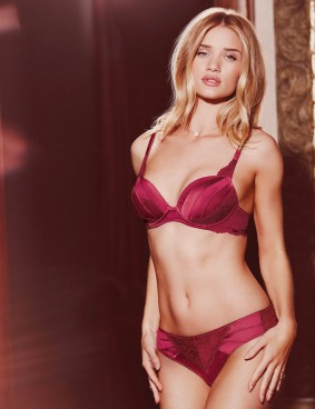 Rosie-Huntington-Whiteley-Lingerie-3