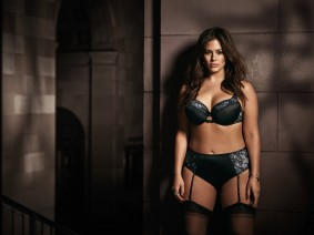 Ashley Graham _Lace n Lingerie 2