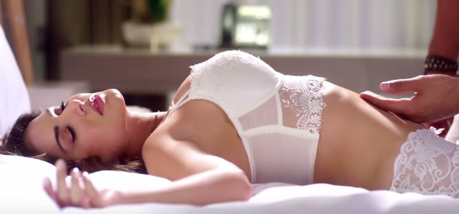 IJAZAT Video Song_lace n lingerie