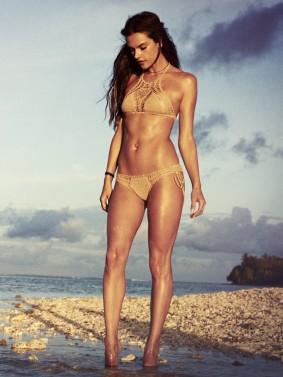 Alessandra_Ambrosia_Lingerie_model