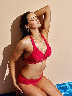 Robyn_lawley_in_Dark_pink_magenta_Bra_panties_Swimwear