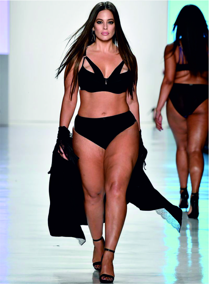 Ashley Graham killed it on the runway-2