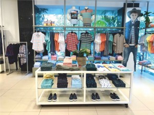 STORE REVIEW - Benetton Store - 6
