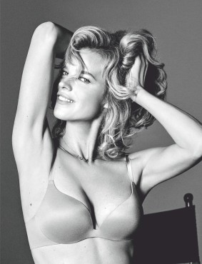 Eva Herzigová, recreates iconic 1994 Wonderbra shoot - 1