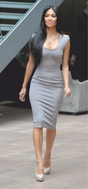 Nicole Scherzinger flaunts her assets in a figure huggings gown - nicole scherzinger in grey gown