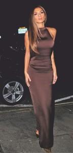 Curvy Nicole Scherzinger flaunts her assets in a figure-hugging gown - 2