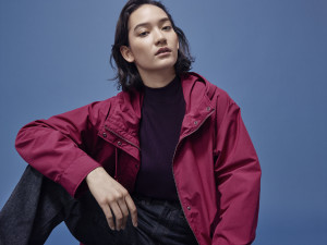 UNIQLO_Women_Oversized parka paired with ribbed high neck long sleeve t shirt and high rise wide straight jeans