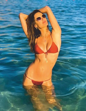 Alessandra Ambrosio flaunts her enticing figure in alluring swimwear - 2